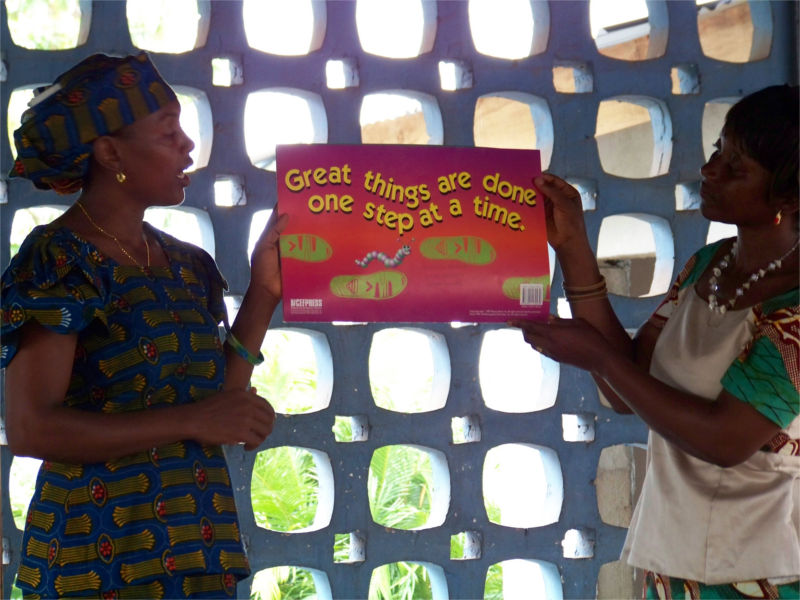Boxes of Books Enables Teachers in Equatorial Guinea